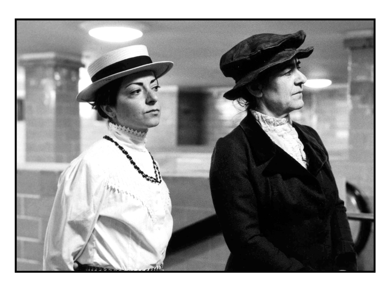 Rosa & Clara am Alex 5 © York Wegerhoff